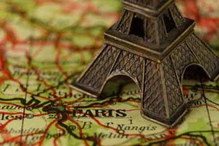 eiffel tower on map